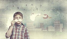 Παιδί με το mustache Στοκ εικόνα με δικαίωμα ελεύθερης χρήσης