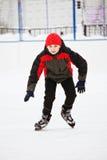 Παιδί που απολαμβάνει το πατινάζ Στοκ φωτογραφία με δικαίωμα ελεύθερης χρήσης