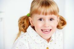 παιδί που γελά ελάχιστα Στοκ φωτογραφία με δικαίωμα ελεύθερης χρήσης