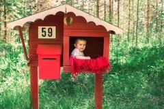 παιδί υπαίθρια Στοκ φωτογραφία με δικαίωμα ελεύθερης χρήσης