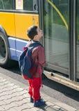 Παιδί cyclict που ανακυκλώνει Στοκ εικόνα με δικαίωμα ελεύθερης χρήσης