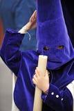 Παιδί Nazarene σε Triana, αδελφοσύνη της ελπίδας, ιερή εβδομάδα στη Σεβίλη, Ανδαλουσία, Ισπανία στοκ εικόνα