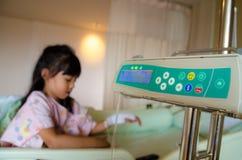 Παιδιά άρρωστα και ιατρικά Στοκ φωτογραφία με δικαίωμα ελεύθερης χρήσης