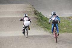 Παιδιά και ανταγωνισμός BMX Στοκ φωτογραφίες με δικαίωμα ελεύθερης χρήσης