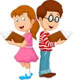 Παιδιά κινούμενων σχεδίων που διαβάζουν το βιβλίο Στοκ Εικόνα