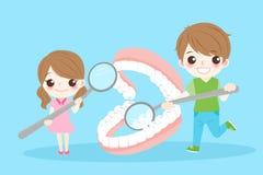 Παιδιά με την οδοντοστοιχία Στοκ εικόνες με δικαίωμα ελεύθερης χρήσης