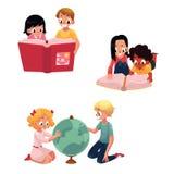 Παιδιά, παιδιά που διαβάζουν, μελέτη, που μαθαίνει μαζί, διανυσματική απεικόνιση κινούμενων σχεδίων διανυσματική απεικόνιση