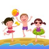 παιδιά παραλιών ηλιόλουσ& Στοκ εικόνες με δικαίωμα ελεύθερης χρήσης