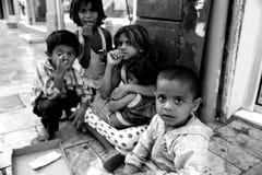 Παιδιά που ζουν στους δρόμους Στοκ Εικόνες
