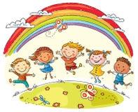 Παιδιά που πηδούν με τη χαρά κάτω από το ουράνιο τόξο διανυσματική απεικόνιση