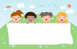 Παιδιά που τιτιβίζουν πίσω από την αφίσσα, ευτυχή παιδιά, χαριτωμένα παιδάκια στο άσπρο υπόβαθρο, διάνυσμα Στοκ Εικόνα
