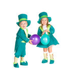 Παιδιά στα κοστούμια leprechaun, ημέρα του ST Πάτρικ Στοκ Φωτογραφία