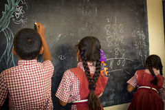 Παιδιά στο σχολείο Στοκ φωτογραφία με δικαίωμα ελεύθερης χρήσης