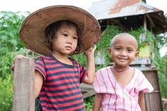 Παιδιά της Karen στα σύνορα Ταϊλάνδη - το Μιανμάρ Στοκ εικόνα με δικαίωμα ελεύθερης χρήσης