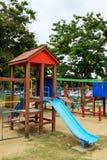 Παιδική χαρά στο δημόσιο πάρκο στοκ εικόνες