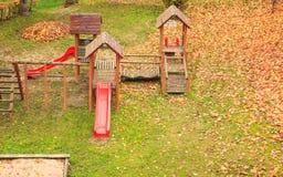 Παιδική χαρά playpark στην εποχή φθινοπώρου πτώσης Στοκ φωτογραφίες με δικαίωμα ελεύθερης χρήσης