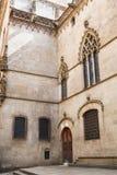 Παλάτι βασιλιάδων στη Βαρκελώνη: μεσαιωνικό Παλάου Reial Royal Palace στα καταλανικά Placa del Rei King's στην πλατεία Στοκ φωτογραφία με δικαίωμα ελεύθερης χρήσης