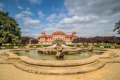 Παλάτι και κήπος Troja το καλοκαίρι στην Πράγα, Δημοκρατία της Τσεχίας στοκ φωτογραφία με δικαίωμα ελεύθερης χρήσης