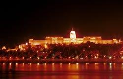 παλάτι νύχτας της Βουδαπέ&sigm Στοκ Φωτογραφία