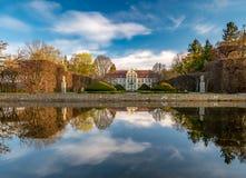 Παλάτι Abbots στο στυλ ροκοκό ύφος και τοποθετημένος στο πάρκο Oliwa Γντανσκ, Πολωνία στοκ εικόνες
