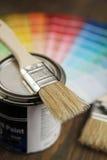 παλέτα ζωγραφικής χρώματος βουρτσών Στοκ Φωτογραφία