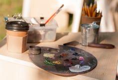 Παλέτα με τα μικτά χρώματα Στοκ εικόνα με δικαίωμα ελεύθερης χρήσης
