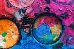 Παλέτα Watercolor με τα μικτά χρώματα Στοκ Εικόνες