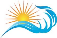 Παλίρροια με τον ήλιο ελεύθερη απεικόνιση δικαιώματος