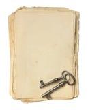 Παλαιά έγγραφο και πλήκτρα. Στοκ εικόνα με δικαίωμα ελεύθερης χρήσης
