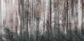 Παλαιά, αγροτική ξύλινη σύσταση με τα φυσικά σχέδια και ρωγμές στην επιφάνεια Στοκ Φωτογραφία