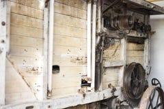 Παλαιά αλυσίδα σιδήρου στην αναδρομική μηχανή Στοκ φωτογραφία με δικαίωμα ελεύθερης χρήσης