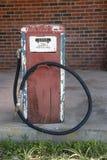 παλαιά αντλία καυσίμων στοκ εικόνες