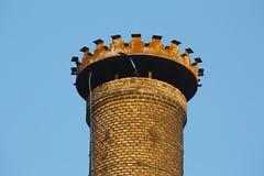 Παλαιά βιομηχανική καπνοδόχος Στοκ εικόνα με δικαίωμα ελεύθερης χρήσης