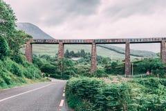 Παλαιά γέφυρα μετάλλων στο δαχτυλίδι της ιρλανδικής αγελάδας, Ιρλανδία Στοκ εικόνα με δικαίωμα ελεύθερης χρήσης