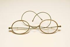 παλαιά γυαλιά παλαιά Στοκ φωτογραφία με δικαίωμα ελεύθερης χρήσης