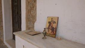 Παλαιά είσοδος, εικονίδιο και κάλυκας εκκλησιών της Ελλάδας απόθεμα βίντεο