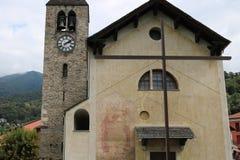 Παλαιά εκκλησία σε ένα τετράγωνο Στοκ Εικόνες