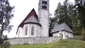 Παλαιά εκκλησία στους δολομίτες φιλμ μικρού μήκους