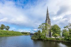 Παλαιά εκκλησία στο πάρκο Churchill στην Κοπεγχάγη στοκ φωτογραφία