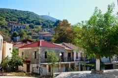 Παλαιά ελληνικά πέτρινα σπίτια ορεινών χωριών στοκ φωτογραφίες