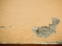 Παλαιά επιφάνεια ζημίας τοίχων ασβεστοκονιάματος αποφλοίωσης χρωμάτων Ένα υπόβαθρο του χρώματος αποφλοίωσης, η παλαιά σύσταση χρω Στοκ Εικόνες