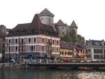 παλαιά εστιατόρια της Γαλλίας πόλεων του Annecy Στοκ εικόνες με δικαίωμα ελεύθερης χρήσης