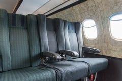 Παλαιά καθίσματα αεροπλάνων στοκ εικόνες με δικαίωμα ελεύθερης χρήσης
