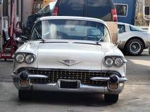 Παλαιά και νέα αυτοκίνητα σε αυτό το foto στοκ φωτογραφία