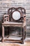 Παλαιά καρέκλα Tai Fu Tai στο προγονικό σπίτι, Χονγκ Κονγκ Κίνα στοκ φωτογραφίες