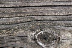 Παλαιά κατασκευασμένη ξύλινη κινηματογράφηση σε πρώτο πλάνο σκυλών σανίδων με το υπόβαθρο φυσικό π στοκ εικόνα
