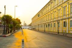 Παλαιά κλασσική πρόσοψη οικοδόμησης στη Μπανγκόκ Στοκ Φωτογραφία