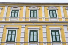 Παλαιά κλασσική πρόσοψη οικοδόμησης στη Μπανγκόκ Στοκ φωτογραφία με δικαίωμα ελεύθερης χρήσης