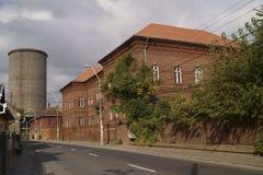 Παλαιά κτήρια που άνηκαν στη μεταλλουργία σύνθετη στις χαλυβουργικές εργασίες Hunedoara στοκ εικόνα με δικαίωμα ελεύθερης χρήσης