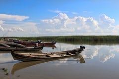 Παλαιά λίμνη Yay Hkar Innn βαρκών στο Μιανμάρ στοκ φωτογραφίες